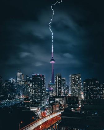 تورنتو در شب